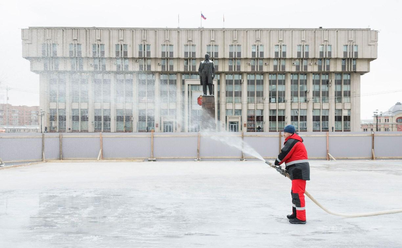 В Туле на площади Ленина заливают «Губернский каток»