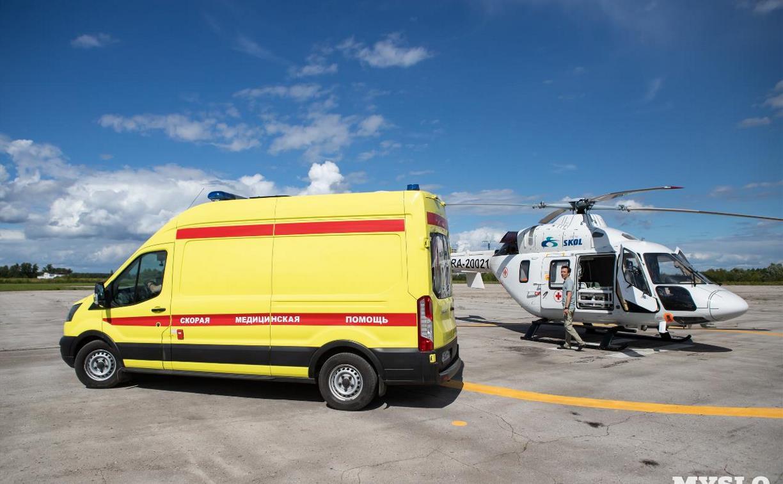 Жену погибшего в страшном ДТП суворовского полицейского доставили на вертолете в Склиф