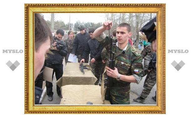 Юные туляки добровольно пошли в армию