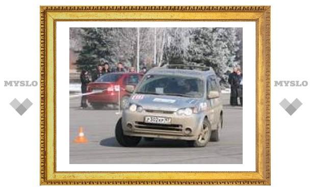 На площади Ленина устроили гонки