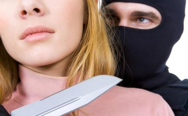 Алексинец угрожал убийством своей беременной подруге