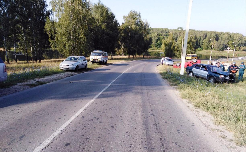 В Киреевском районе ВАЗ протаранил на встречке «Форд Фокус»