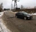 Дорожная яма в Новомедвенском проезде в Туле «выжила» после ремонта