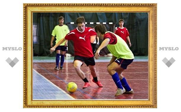 В тульской лиге любителей футбола остался тур до финиша