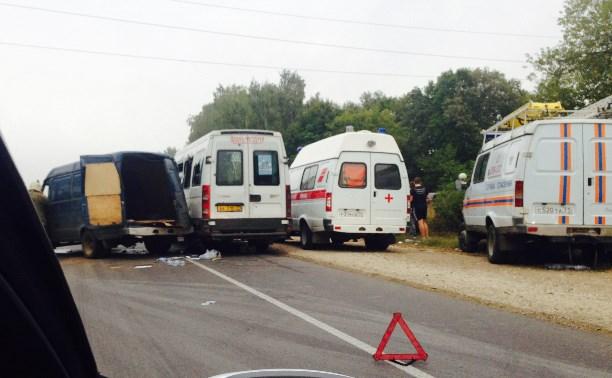 В аварии на Новомосковском шоссе участвовало четыре автомобиля