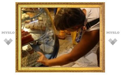Под Тулой продают просроченные сладости