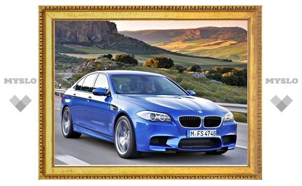 «Синюю бестию» BMW показали людям