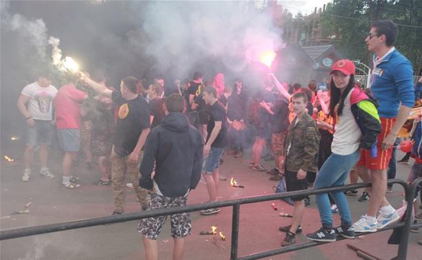 Болельщики «Арсенала» устроили файер-шоу в Центральном парке