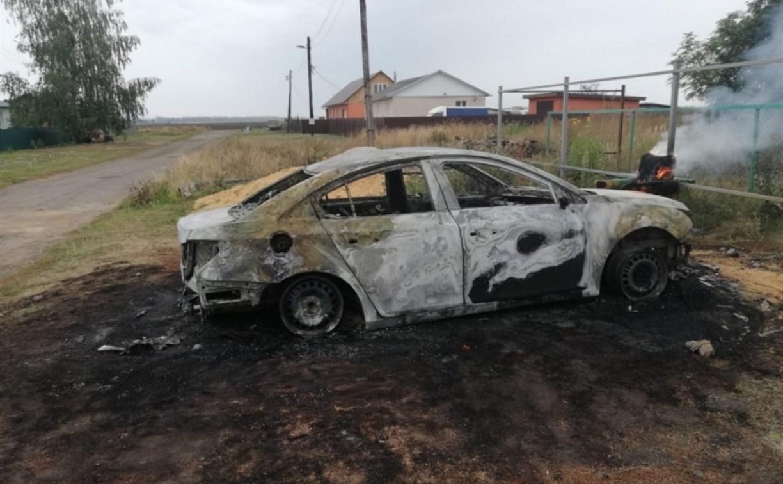 В Тульской области ранним утром сгорел Chevrolet Cruze