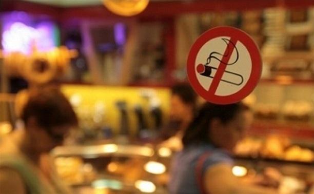 С июня в России будет запрещено курить в ресторанах