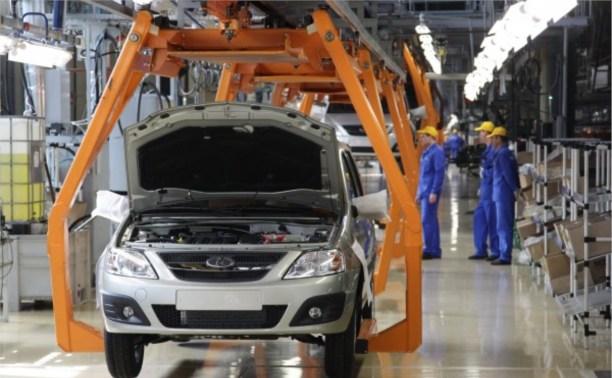АвтоВАЗ сокращает производство автомобилей LADA