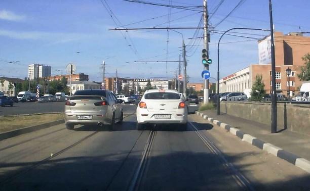 Туляк заснял нарушителя-торопыгу на Зареченском мосту