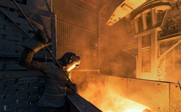 Алексей Дюмин поздравил работников металлургической промышленности с профессиональным праздником