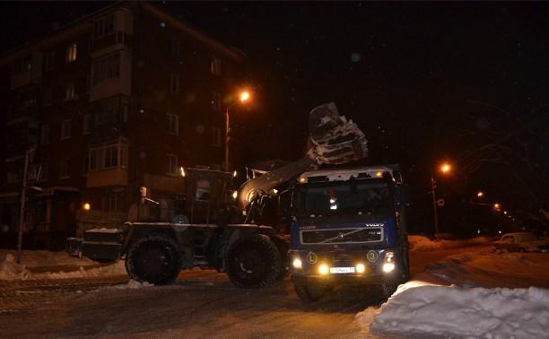 В ночь с 22 на 23 января Тулу расчищали от снега 86 единиц техники
