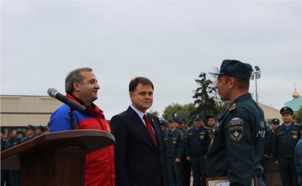 Владимир Груздев поблагодарил МЧСников за спасение Тверской области