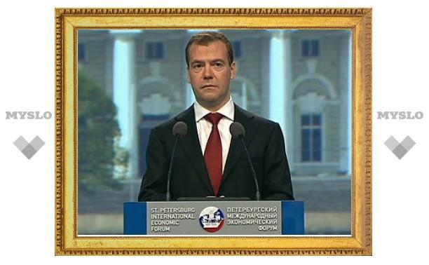 Медведев решил сломать вертикаль власти