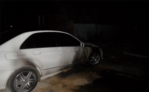 В посёлке Молодёжный сгорели БМВ и «Мерседес»