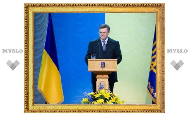 Янукович прервал отпуск из-за угрозы пожаров