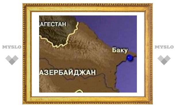 """В Азербайджане автобус с россиянами столкнулся с """"КамАЗом"""""""