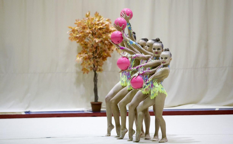 Грация, гибкость и красота: В Туле проходит турнир по художественной гимнастике «Осенний вальс»