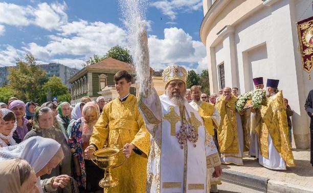 Праздничное богослужение в храме Святых апостолов Петра и Павла. Большой фоторепортаж