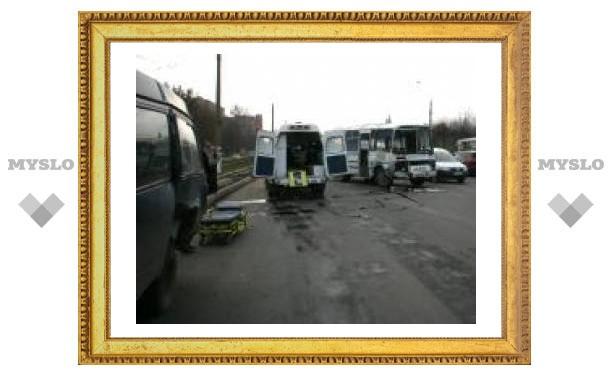 В Туле произошло ДТП с участием пассажирского транспорта
