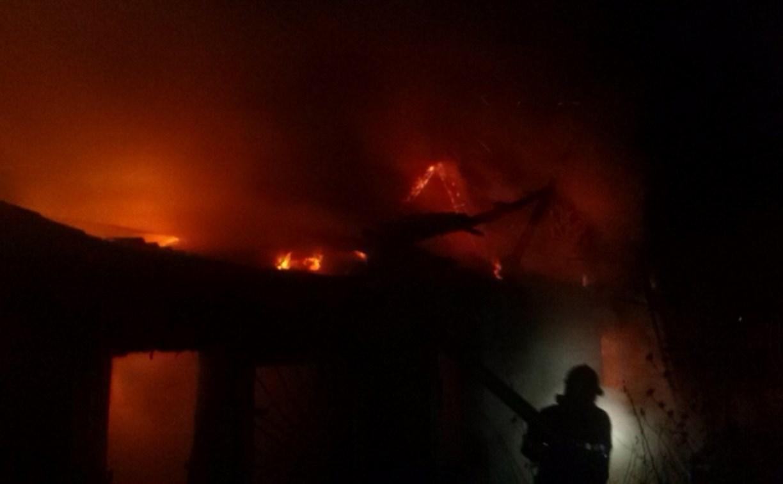 В Новомосковске сгорел частный дом
