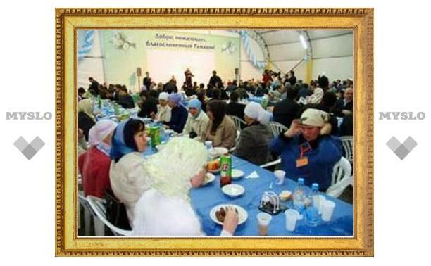 Медведев поздравил российских мусульман с праздником Ураза-байрам
