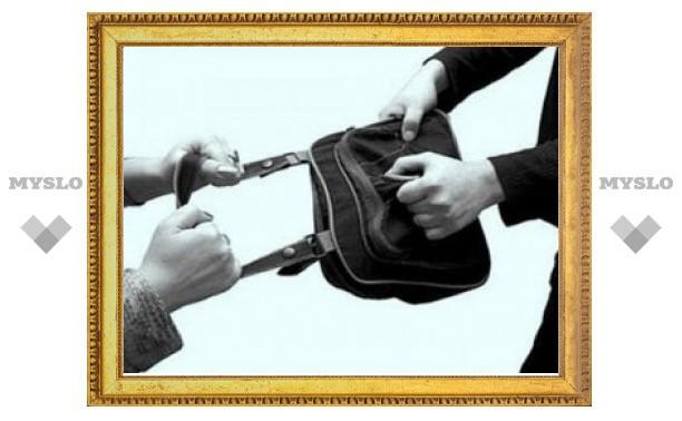 В Туле благодаря совместным действиям неравнодушных прохожих был задержан грабитель