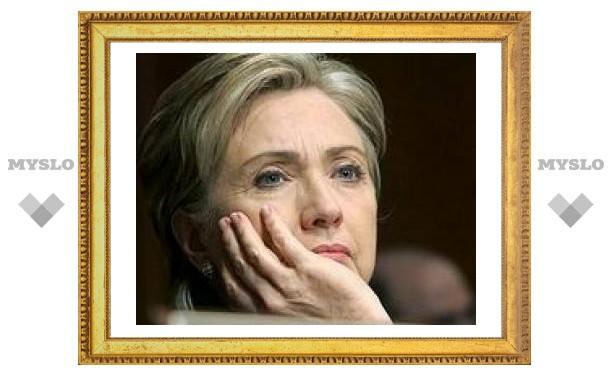 Клинтон уверена, что ее соперник Обама победит на президентских выборах