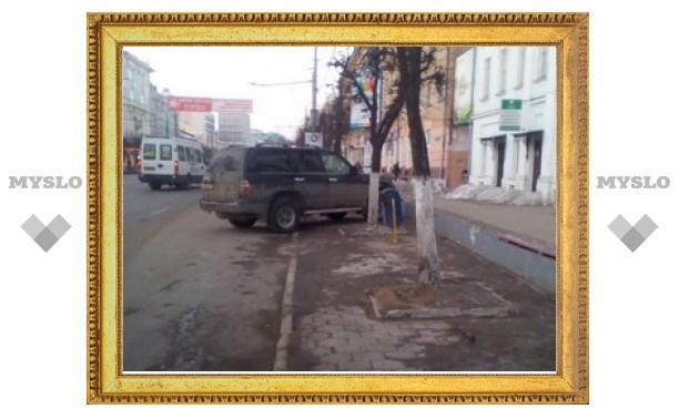 Туляки продолжают выявлять водителей, паркующихся по-хамски!