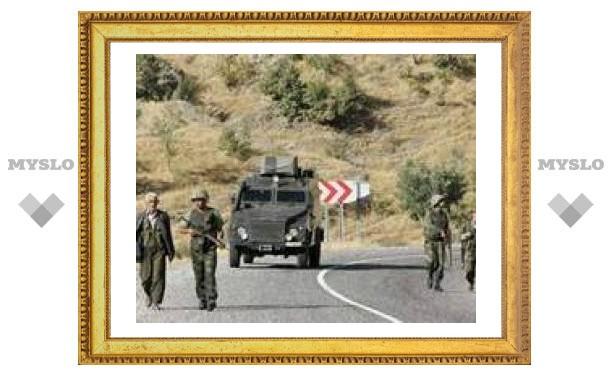 Курды показали фото плененных турецких солдат