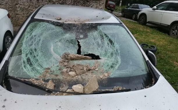 Тульская УК об упавших на машины кусках бетона: «Плиты сами упасть не могли!»
