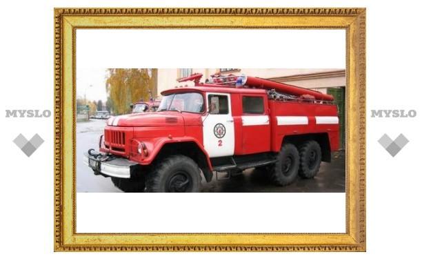 В Туле в центре города сгорела иномарка