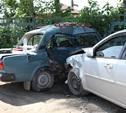 На Алексинском шоссе иномарка протаранила ВАЗ