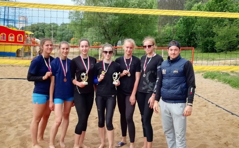 В Туле завершилось региональное первенство по пляжному волейболу среди девушек