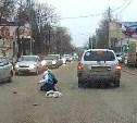 В Донском пьяный водитель сбил девушку и хотел сбежать: видео