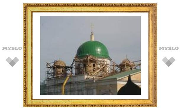 На Преображенском храме восстановили крест