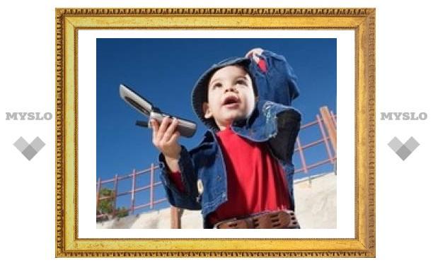 Московский Роспотребнадзор призвал ограничить использование мобильников детьми