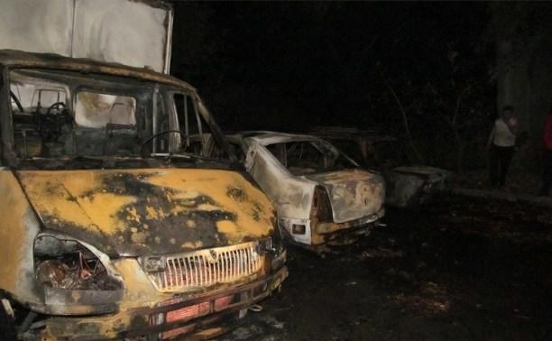 Ночью в Шатске сгорели три автомобиля