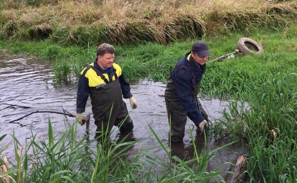 Спасатели расчищают русло Щегловского ручья