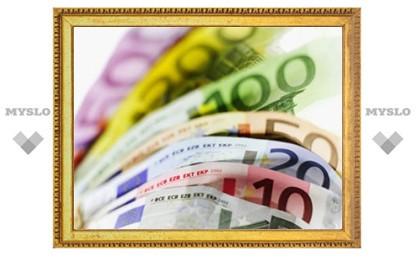Центробанк понизил курс евро сразу на 37 копеек