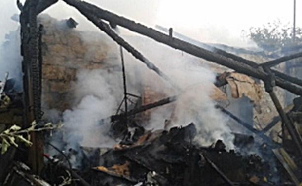 Вечером в Новомосковском районе сгорел жилой дом