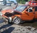 На Новомосковском шоссе столкнулись три автомобиля