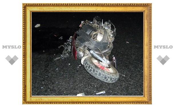 Фура насмерть сбила двух скутеристов