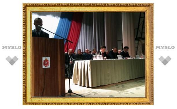 """Жители Теплого обвиняют администрацию в """"панибратстве"""""""