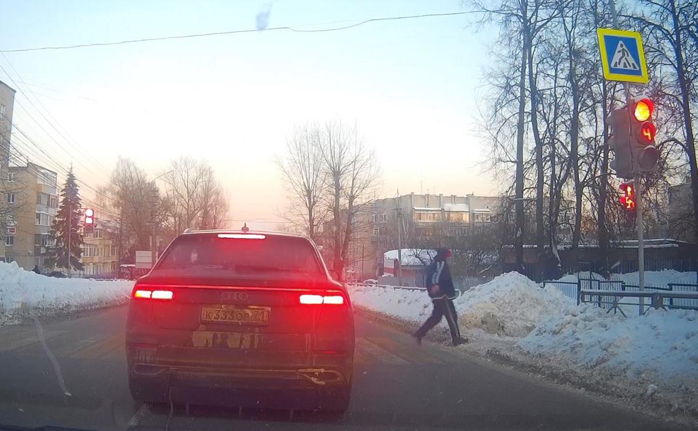 «А если джип большой, наглости не занимать»: регистратор снял автохама на Одоевском шоссе