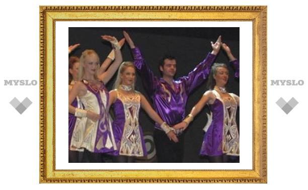 Танцоры из далекой Ирландии выступили в Туле