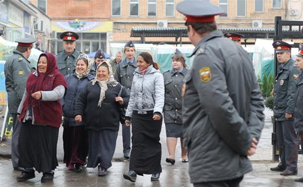В ходе зачистки на Центральном рынке Тулы задержаны 350 человек