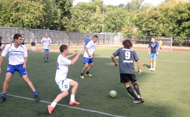 Футболисты сыграли в четвертьфинале Кубка Тулы по мини-футболу среди любителей